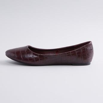 Textured Ballerina Shoes