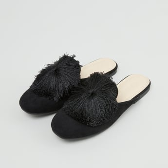 Mules with Fringe Detail