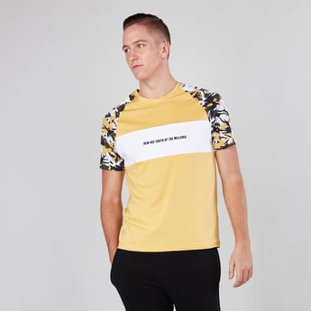 Printed Round Neck T-shirt with Camouflage Print Raglan Sleeves