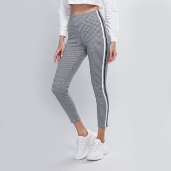 Chequered Mid Waist Treggings with Elasticised Waistband