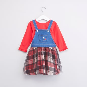 Solid T-shirt and Checked Denim Pinafore Set