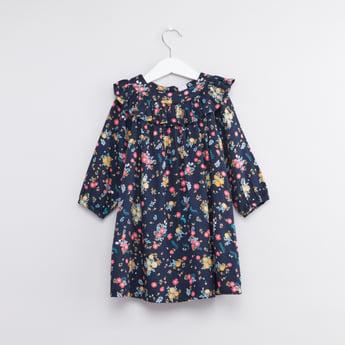 فستان بطبعات زهور مع أكمام طويلة وتفاصيل ياقة مكشكشة