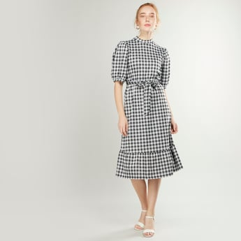 Chequered Midi A-line Dress with High Neck and Short Sleeves