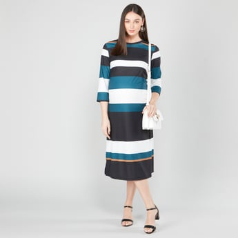 Striped Midi Shift Dress with Round Neck and 3/4 Sleeves