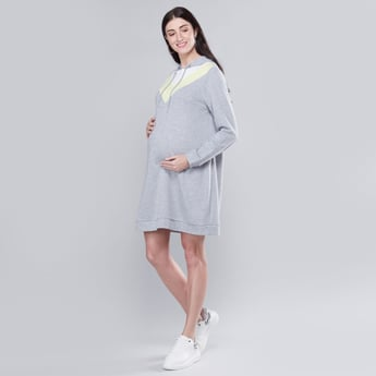 Printed Midi A-line Maternity Dress with Long Sleeves and Hood
