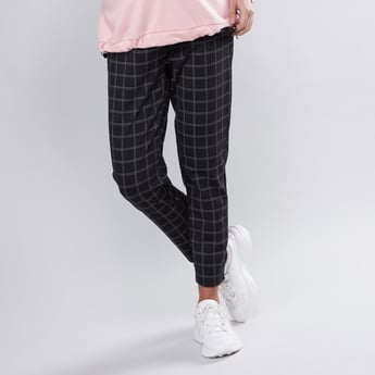 Slim Fit Chequered High Waist Maternity Pants