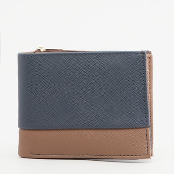 Textured Bi-Fold Wallet with Multiple Cardholder