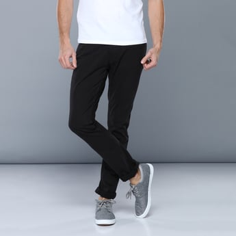 Full Length Mid-Rise Jeans with Pocket Detail
