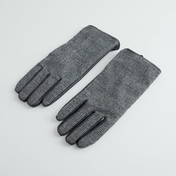 Chequered Hand Gloves