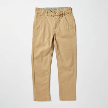 Solid Chinos with Pockets and Button Closure