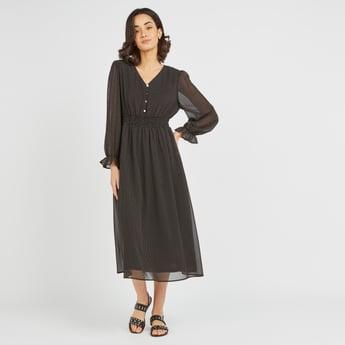 فستان ميدي بياقة V وأكمام طويلة وخصر ملموم وطبعات