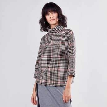 Chequered Boxy Top with Turtleneck and 3/4 Sleeves