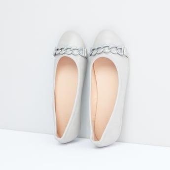 Interlocked Strap Detail Slip-On Shoes