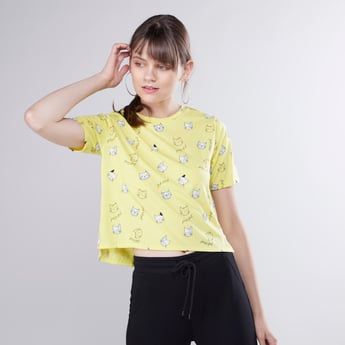 Graphic Printed Round T-shirt with Short Sleeves