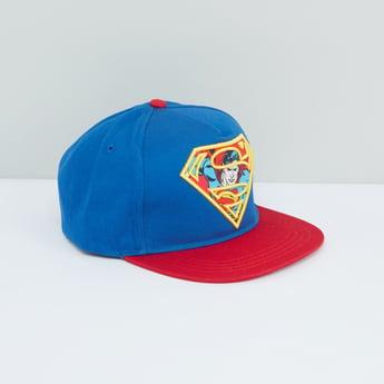 قبعة بيسبول بشريط إغلاق لاصق وطبعات سوبرمان