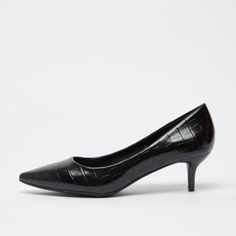 حذاء كلاسيكي سهل الارتداء بارز الملمس بكعب صغير