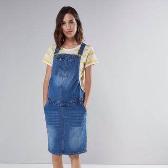 فستان دنغري بارز الملمس للحوامل