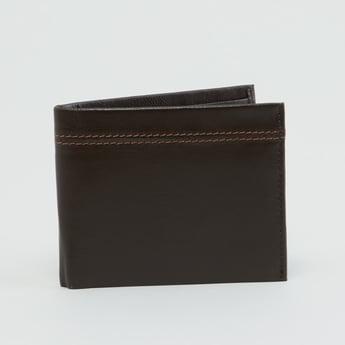 محفظة مغرّزة بطيّة مزدوجة وفتحات متعددة للبطاقات