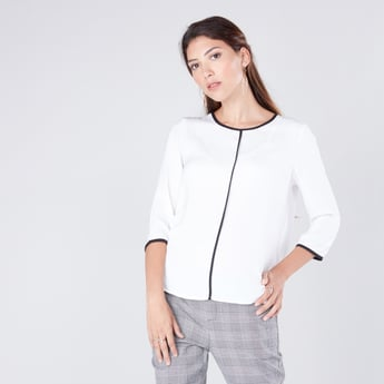 Tipping Detail Top with Round Neck and 3/4 Sleeves