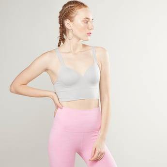 صدرية رياضية بتصميم متقاطع من الخلف وزحزمة قابلة للتّعديل