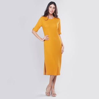 Ribbed Midi Shift Dress with Round Neck and Side Slit