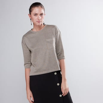Chequered Boxy T-shirt with Round Neck and 3/4 Sleeves