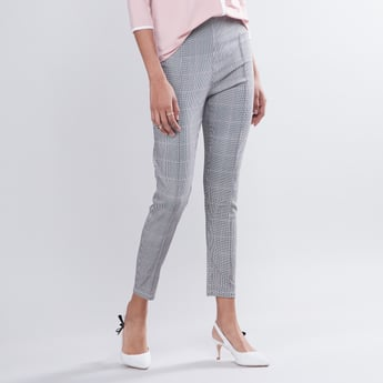 Cropped Chequered Mid Waist Pants with Zip Closure