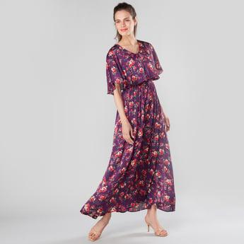 فستان ماكسي إيه لاين بثنايا وطبعات أزهار