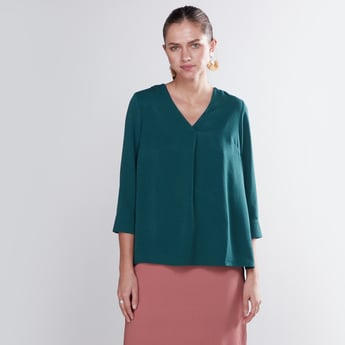 Plain Boxy Shirt with V-neck and 3/4 Sleeves