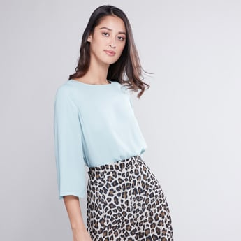 Plain Top with Boat Neck and 3/4 Sleeves
