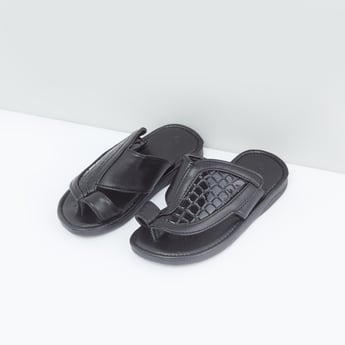 Textured Arabic Sandals with Slip-On Closure