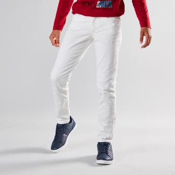 بنطلون جينز طويل بملمس بارز وجيوب وحلقات للحزام