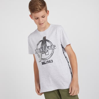 Avengers Graphic Print T-shirt with Round Neck and Short Sleeves