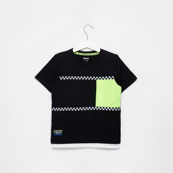 Cut and Sew Pattern T-shirt with Short Sleeves and Chest Pocket