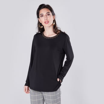 Long Sleeves Top with Neck Chain Detail