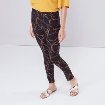 Printed Pull-On Pants with Pocket Detail in Comfort Fit