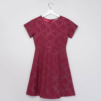 Textured Dress with Round Neck and Short Sleeves