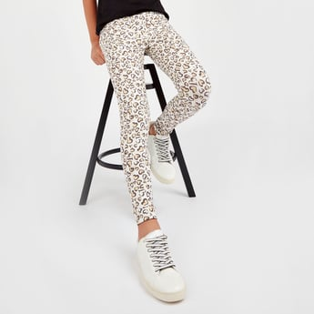 Solid Leggings with Camo Print Tape Detail
