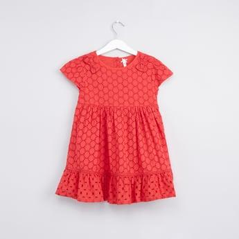 فستان شيفلي بأكمام كاب