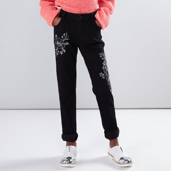 Embroidered Jeans with Button Closure and Pocket Detail