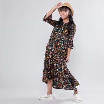 فستان طويل بأكمام 3/4 وأربطة وطبعات أزهار