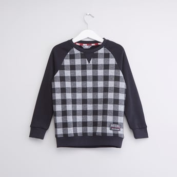 Chequered Sweatshirt with Round Neck and Long Sleeves