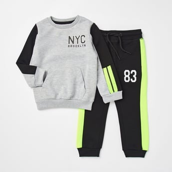 Printed Long Sleeves Sweatshirt and Jog Pant Set