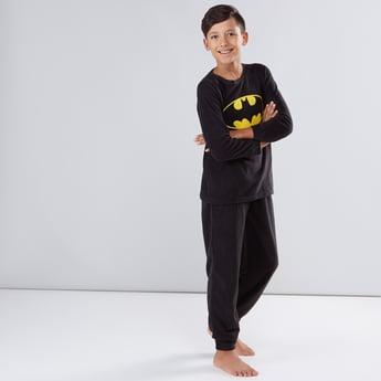 طقم بنطال رياضي وتيشيرت بياقة مستديرة وطبعات باتمان