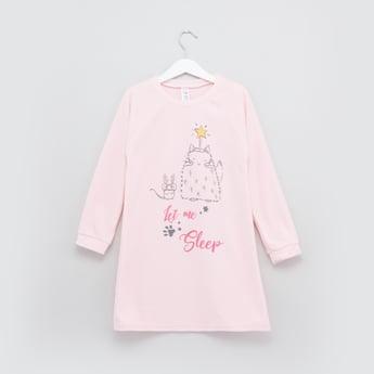 قميص نوم بأكمام طويلة وطبعات