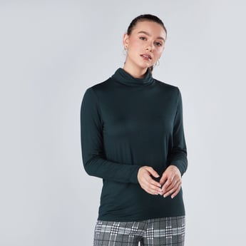Plain T-shirt with Turtleneck and Long Sleeves