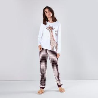 Printed Long Sleeves T-shirt and Striped Jog Pants