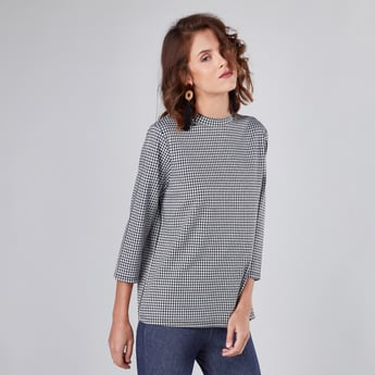 Chequered Top with High Neck and 3/4 Sleeves
