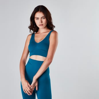 Solid Shaping Bra with Scoop Neck