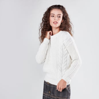 Solid Cable Knit Sweater with Round Neck and Long Sleeves